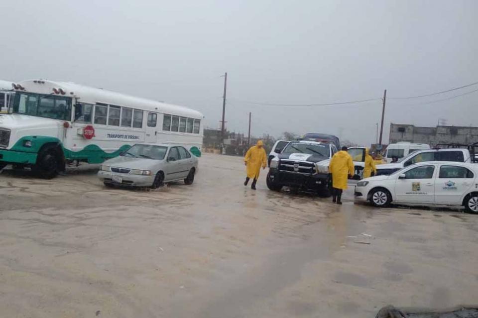 Inician evacuaciones de zonas de riesgo en SJC y CSL
