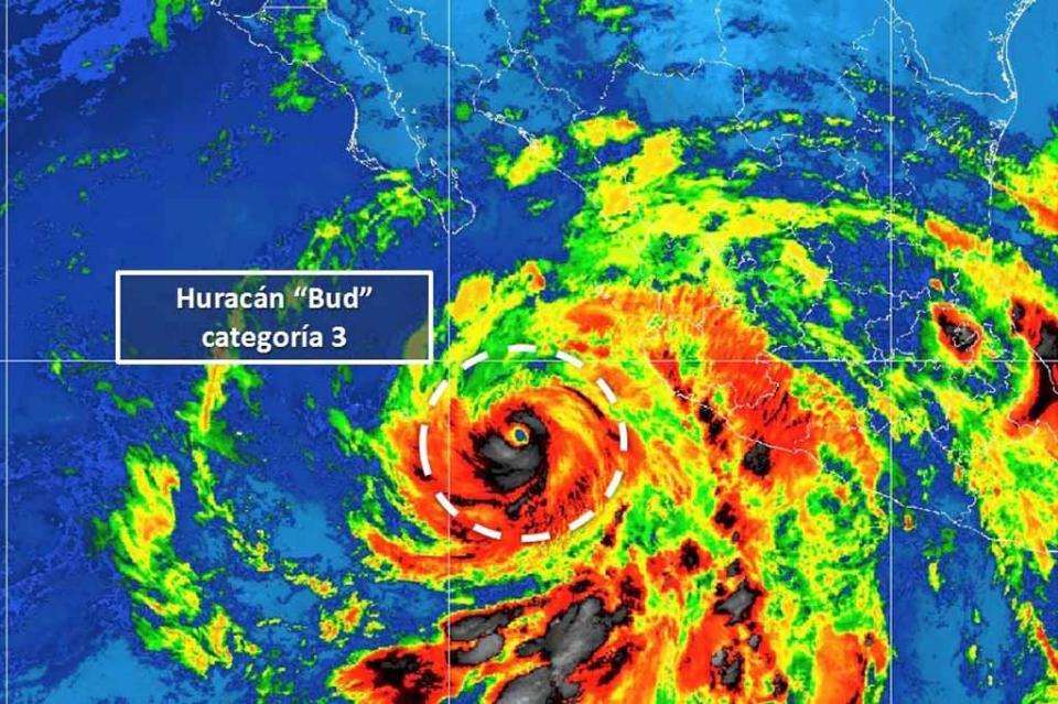 """BUD"" se degrada a huracán categoria 3"