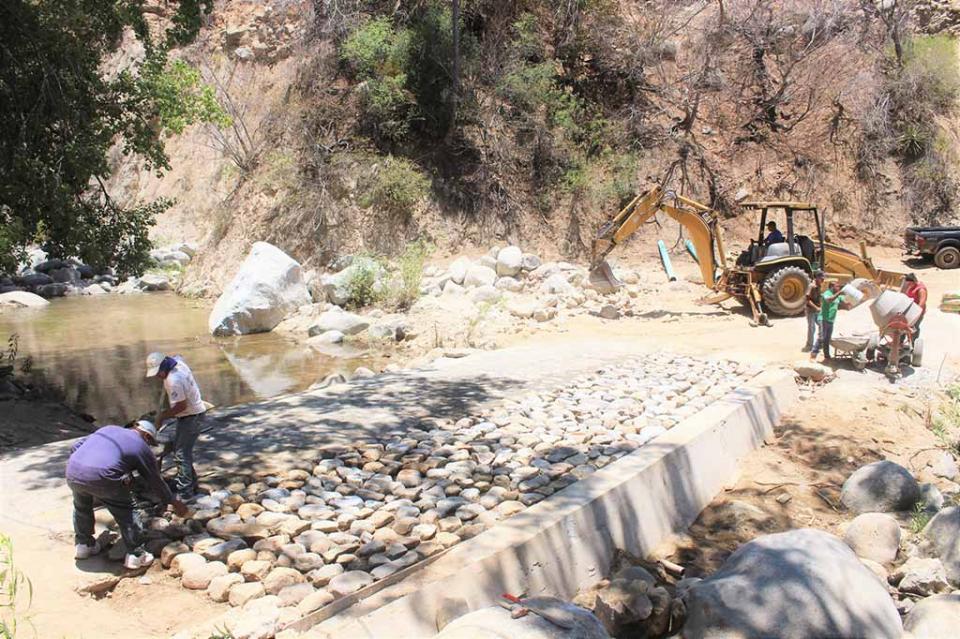 Atiende JEC caminos en el Municipio de La Paz