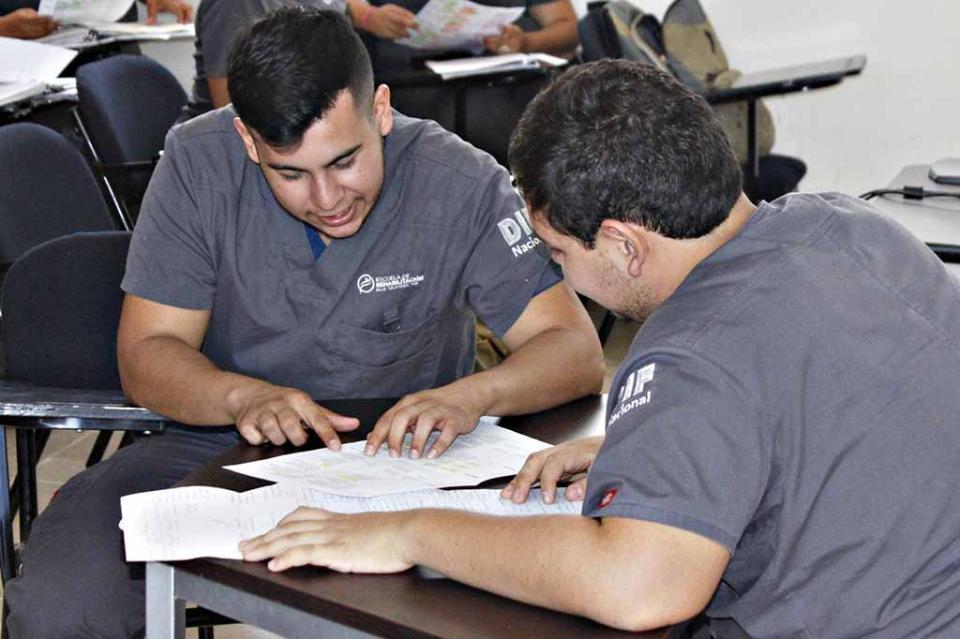 Continúan las clases en la escuela de rehabilitación de BCS