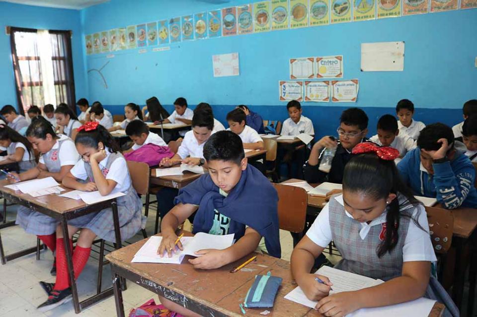 En BCS 10 mil 700 alumnos de 420 primarias presentan evaluación PLANEA 2018: SEP
