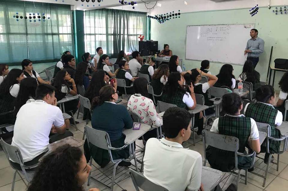 Realiza SETUES pláticas en materia turística en escuelas de Los Cabos