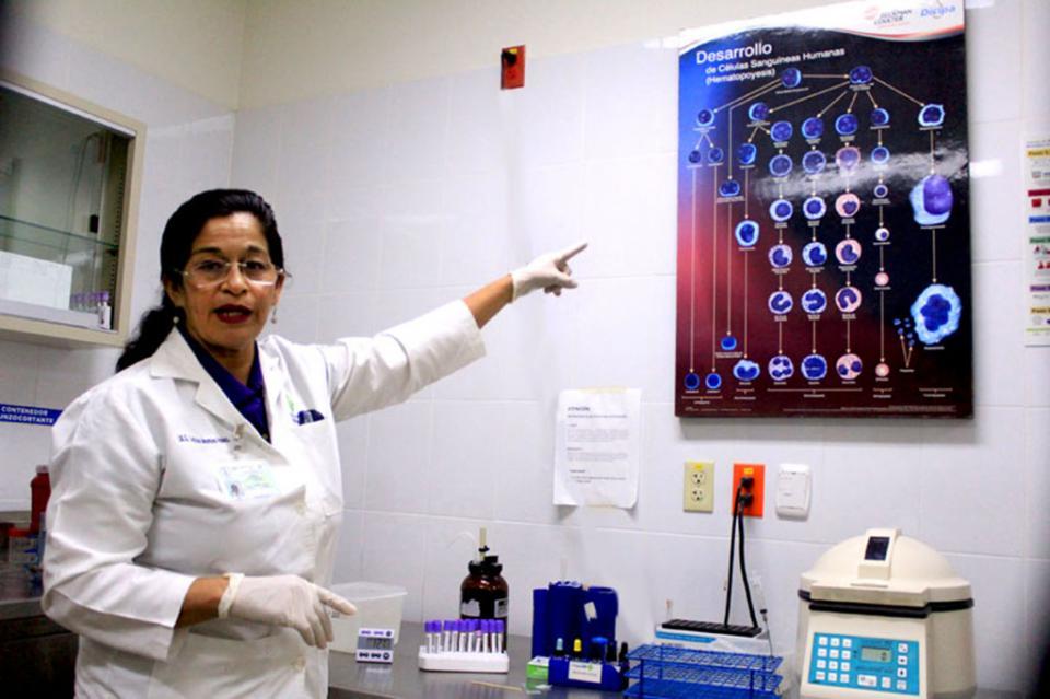 Capacitan a personal de laboratorios clínicos para lograr diagnósticos más eficientes