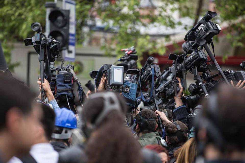 Periodistas argentinos enfrentan precarización, despidos y agresiones