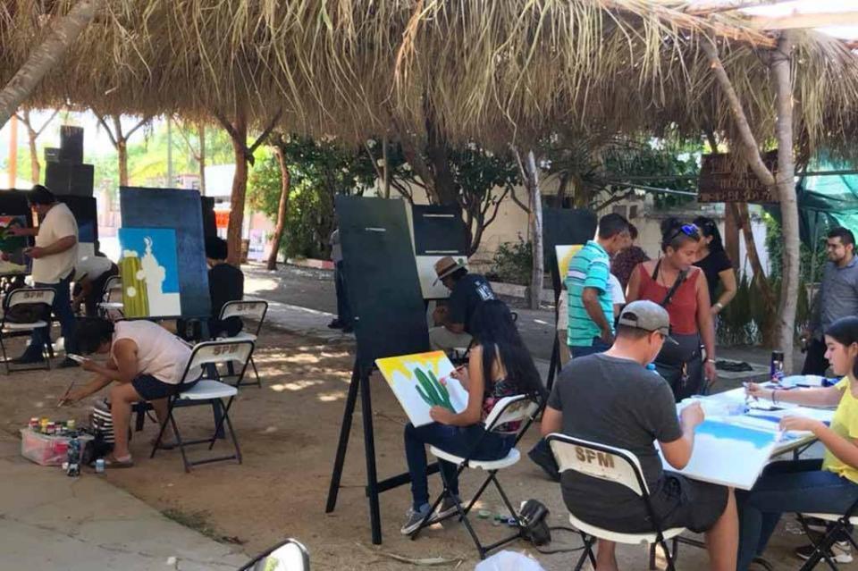 Felicita Gobierno de los Cabos a ganadores de los concursos de Pintura y Artesanía Regional