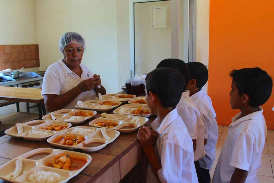 Supervisan Desayunadores Escolares para una correcta alimentación infantil
