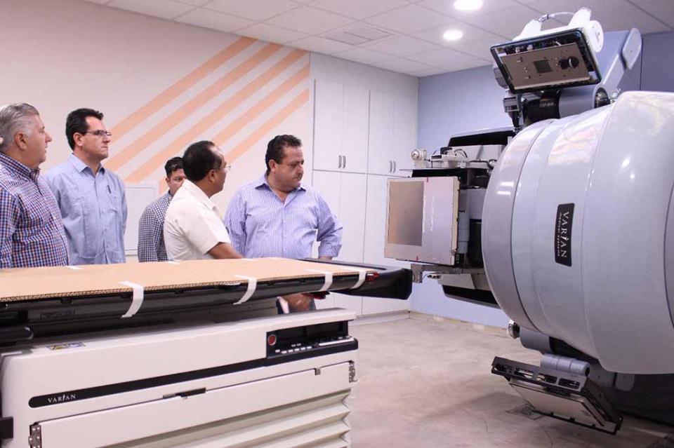 Inició el montaje del acelerador lineal en el Nuevo Centro Estatal de Oncología