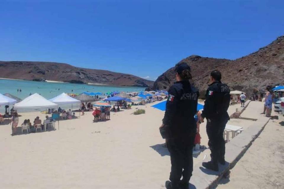 Refuerza PEP vigilancia en escuelas y playas de La Paz