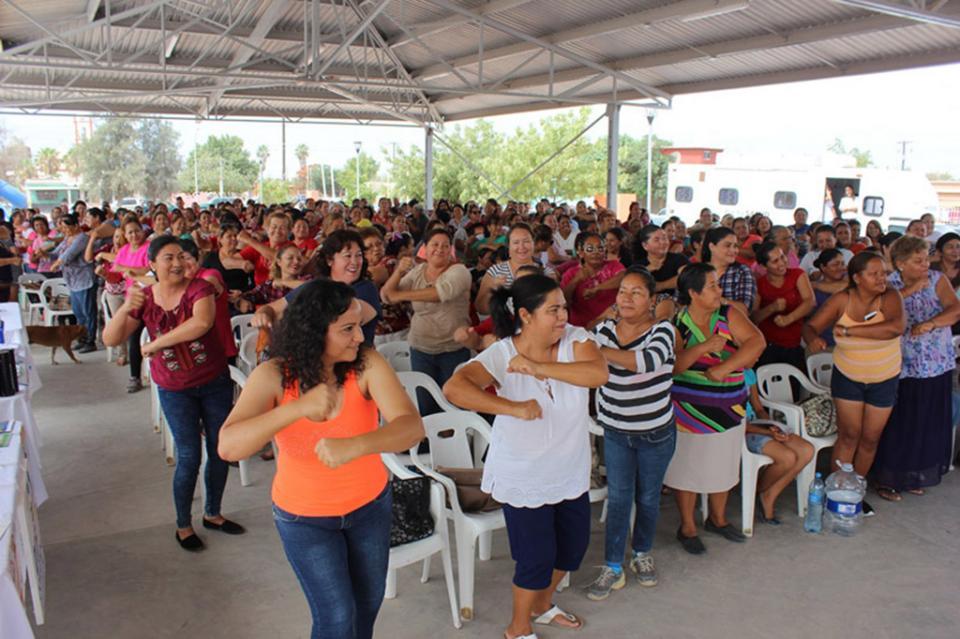 Comundeños se activaron físicamente durante Feria de Medicina Preventiva