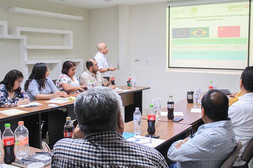 Se impartió capacitación en normas sanitaria para Plantas Pesqueras