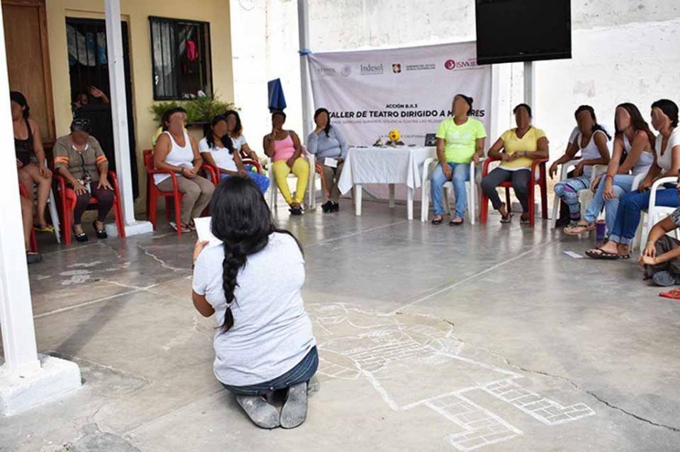 Concluyen Taller de Teatro Mujeres internas en el CERESO de La Paz