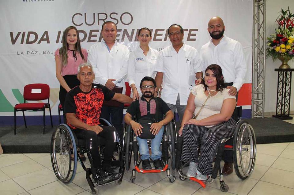 Capacita DIF Estatal a personas usuarias de sillas de ruedas