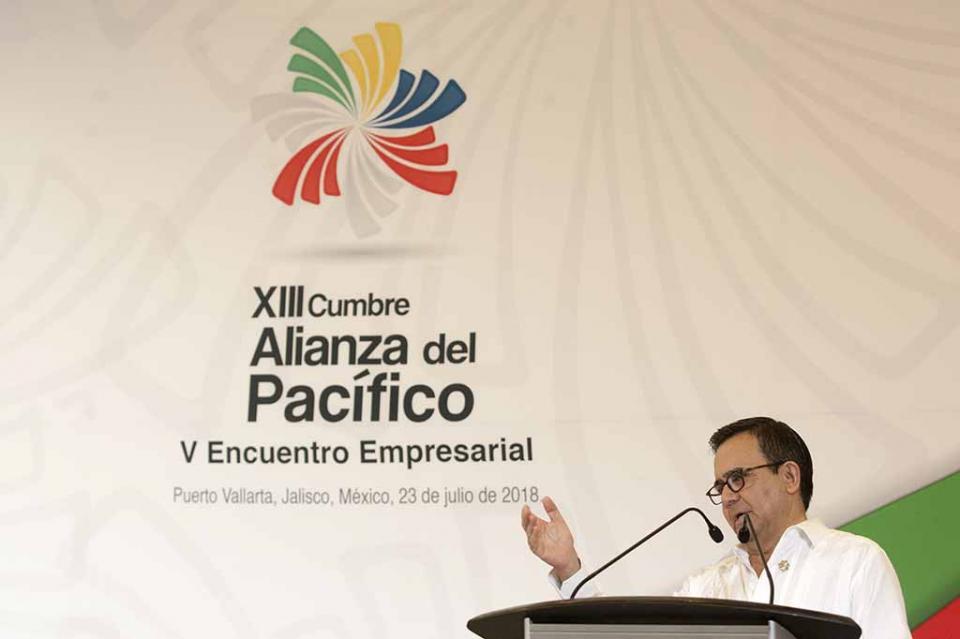 México pide a EUA frenar hostilidades en negociación del TLCAN