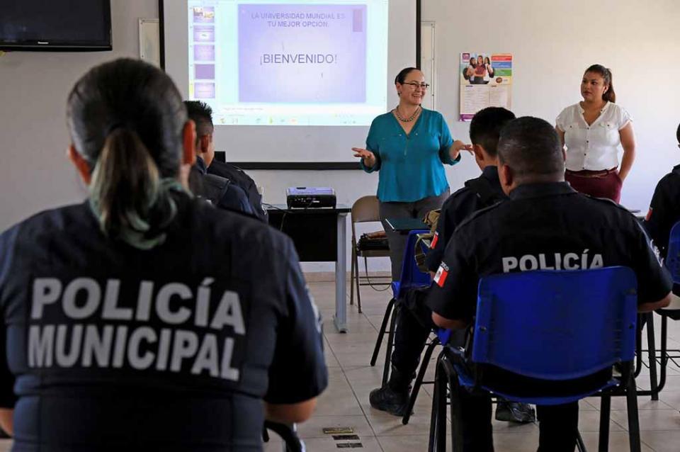 Becas a policías: Convenio entre Seguridad Pública y Universidad Mundial