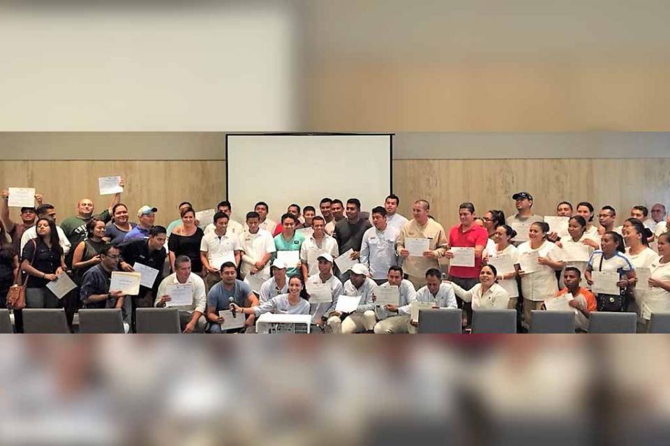 Concluyó con éxito la capacitación laboral a personal del hotel Montage Los Cabos