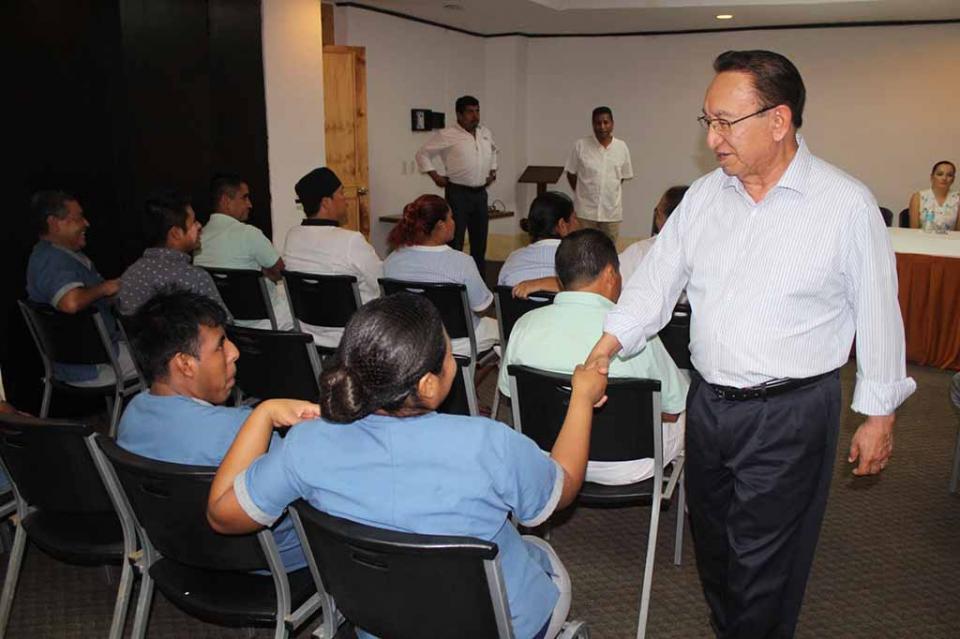 Cuotas sindicales de la CROC van a becas de estudio para hijos de trabajadores sindicalizados: González Cuevas