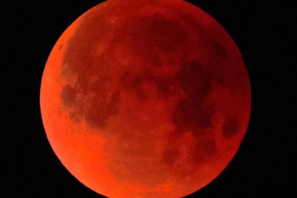 ¿Por qué el eclipse total de Luna de mañana es el más largo del siglo?