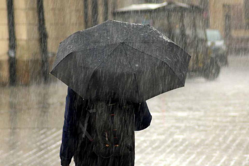 Onda tropical 13 afectará con lluvias el centro y occidente del país