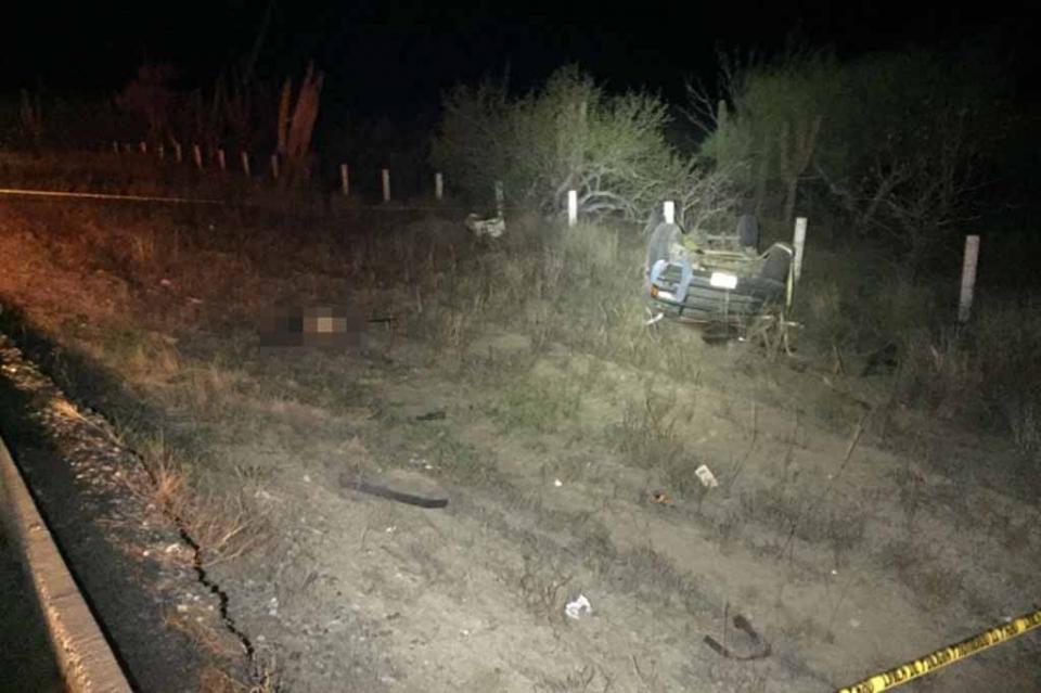 Volcadura automovilística sobre carretera La Paz- Todos Santos, termina en trágica muerte