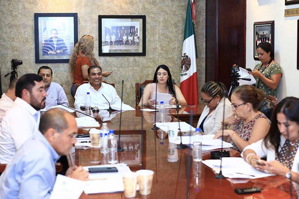 Aprueba cabildo, presentación del 3er. Informe de Gobierno en La Plaza Pública tte. Antonio Mijares