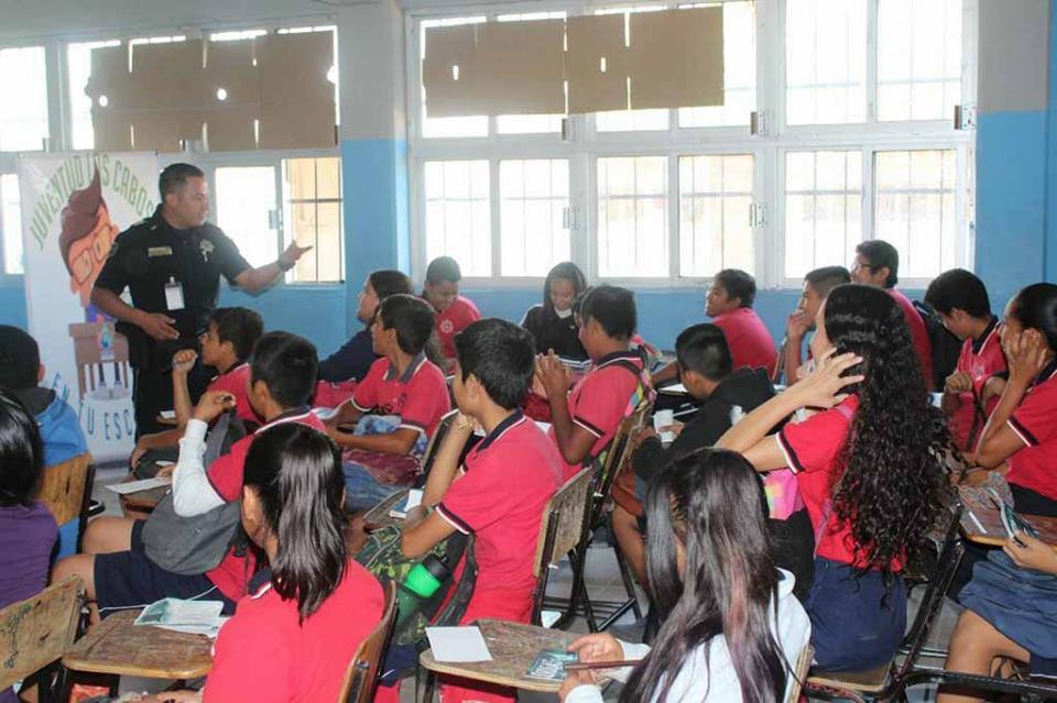 Durante 3 años de Gobierno el Injuve introdujo programas tanto a las escuelas, como a la calle