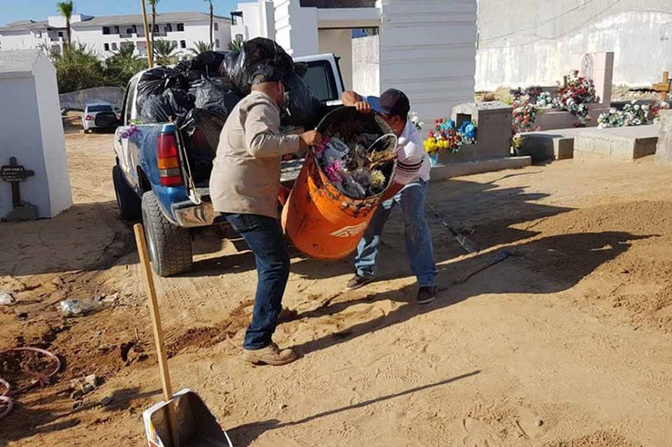 Mantiene Servicios Públicos acciones de limpieza en panteones municipales