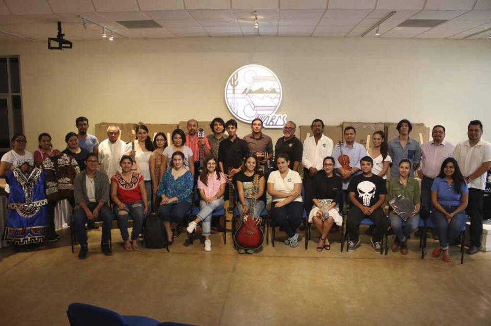 Fortalece UABCS equipamiento de sus talleres culturales