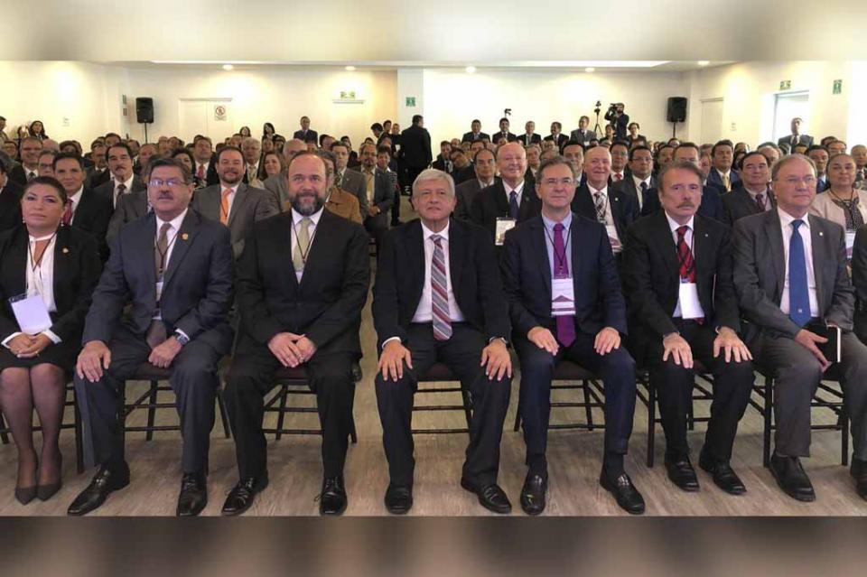 UABCS presente en encuentro de universidades con el Presidente Electo de México