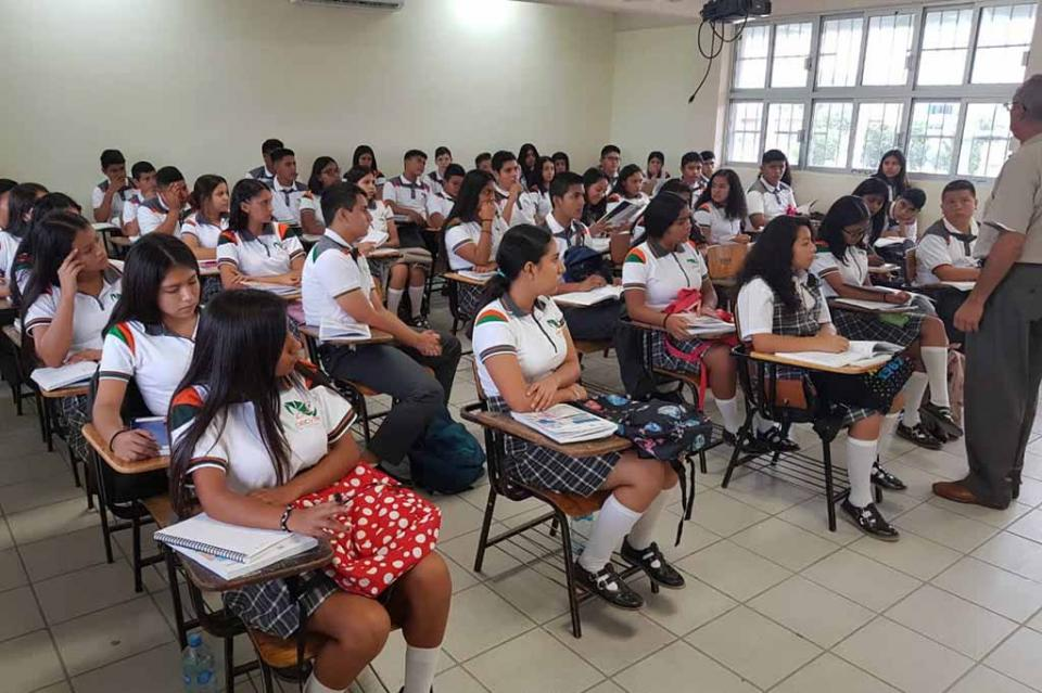 Ofrece CECYTE educación de calidad a más de 9 mil alumnos de bachillerato