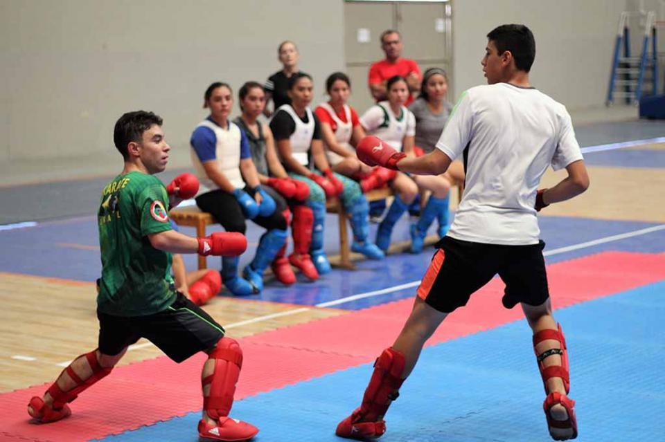 Cierran preparación karatecas para el panamericano de Brasil