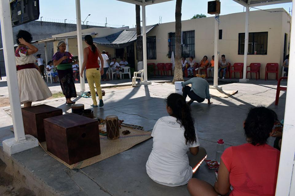 Presenta ISMUJERES obra de teatro en el Cereso de La Paz