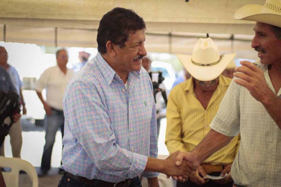 Alcalde de La Paz inauguró pozo de agua en Las Pocitas