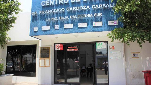 Se fortalece atención de adultos mayores en centro de salud urbano de La Paz