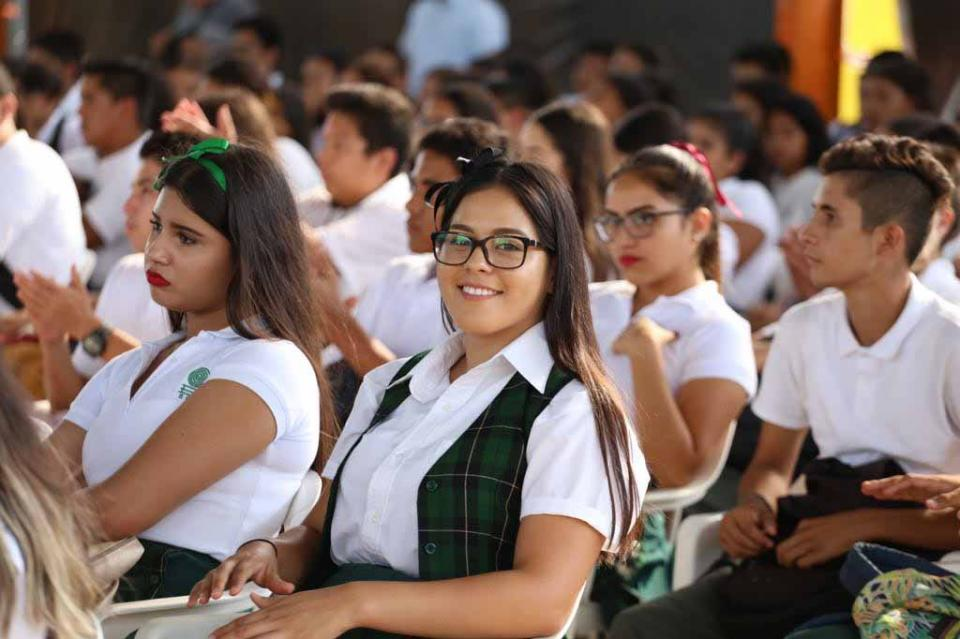 Apoya con becas Patronato del Estudiante Sudcaliforniano a más de 5 mil alumnos