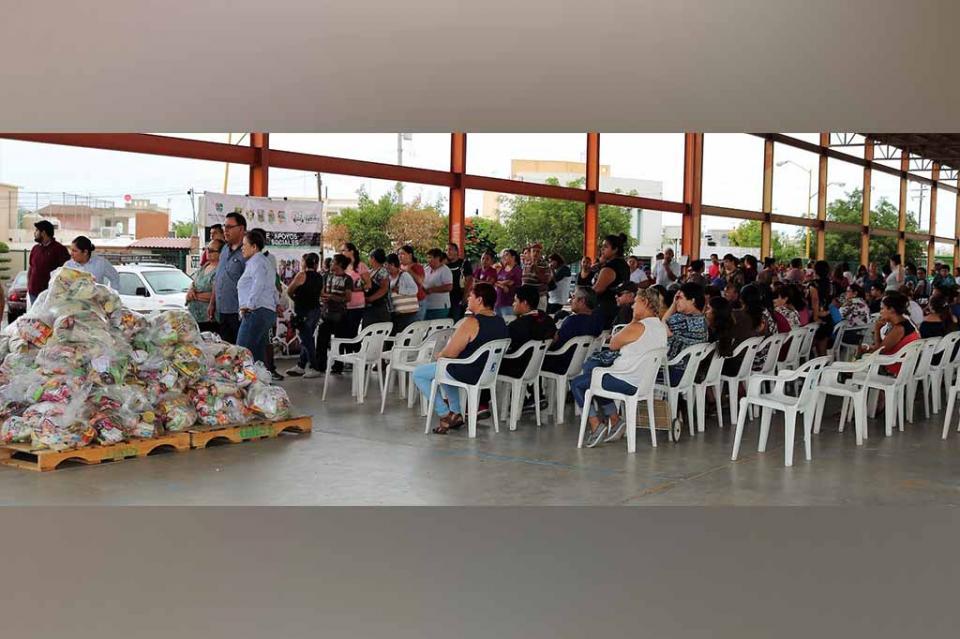 Beneficia programa alimentario a 300 familias de La Paz, San Antonio y El Carrizal