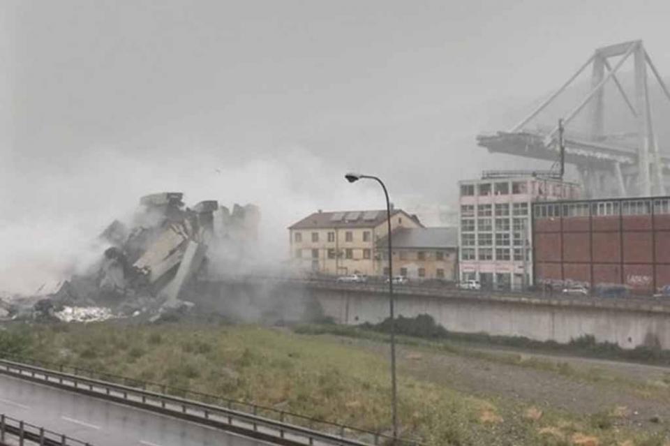 Al menos 11 muertos y cinco heridos al caer puente en Génova