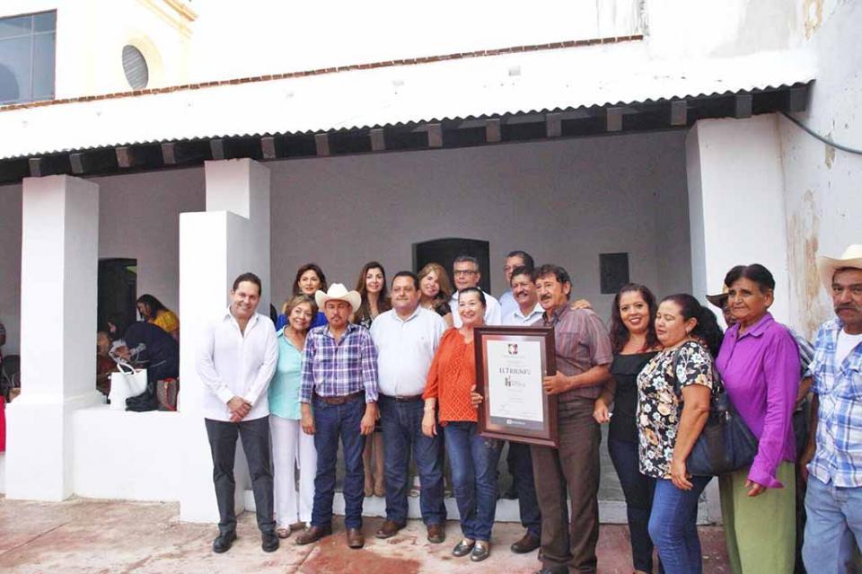 """Entrega gobernador nombramiento a """"El Triunfo"""" como """"Pueblo Histórico"""""""
