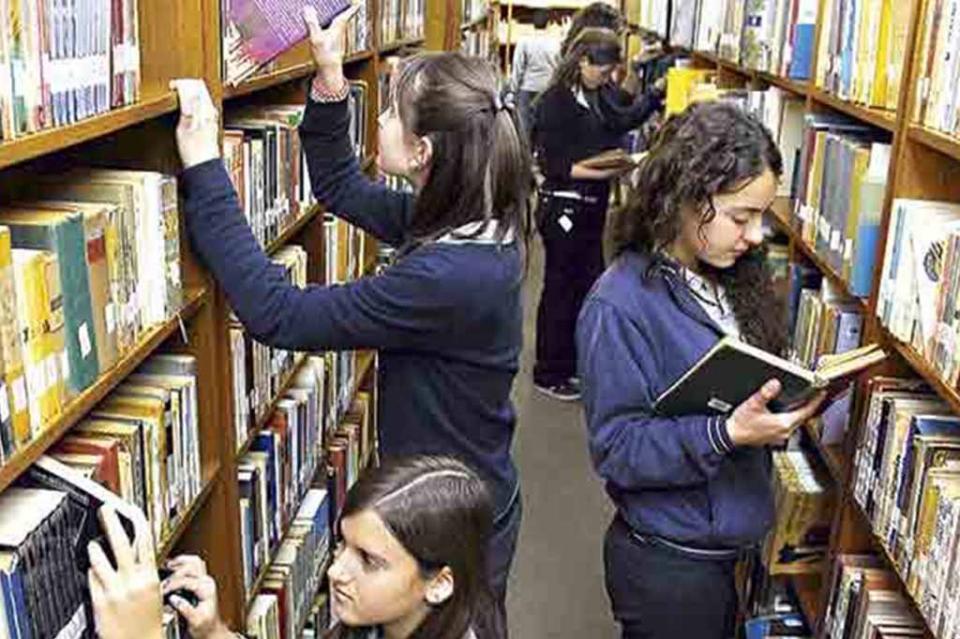 """Realiza Instituto de Cultura El Taller """"Luciérnagas Literarias"""""""