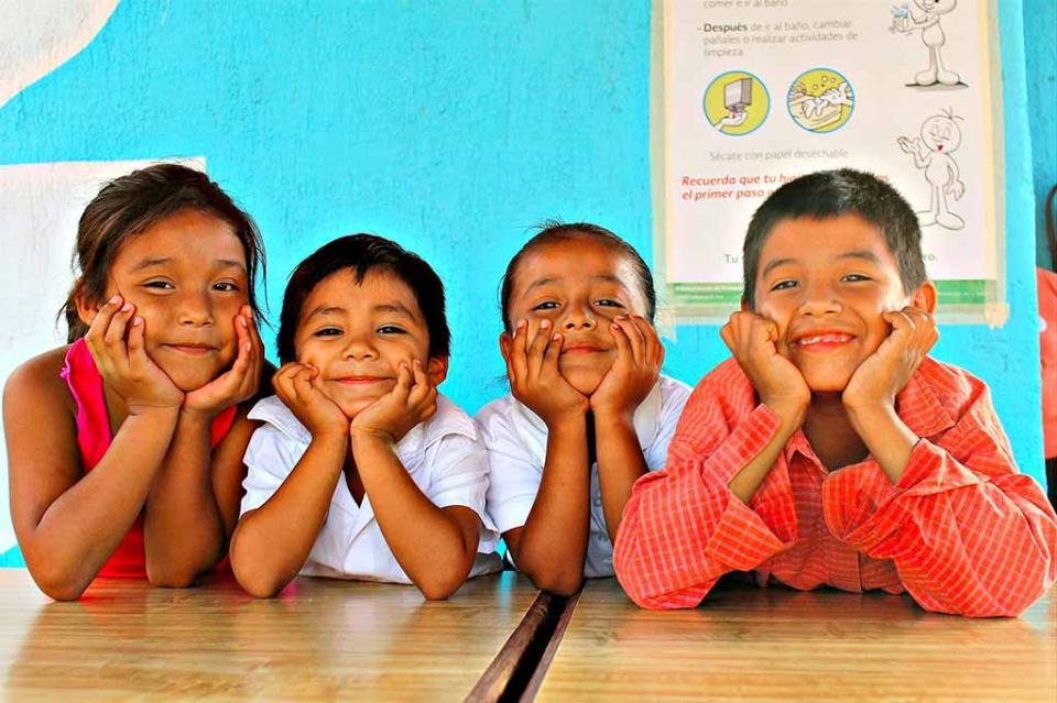 Entrega DIF Estatal Insumos del programa de desayunos escolares en San José Del Cabo