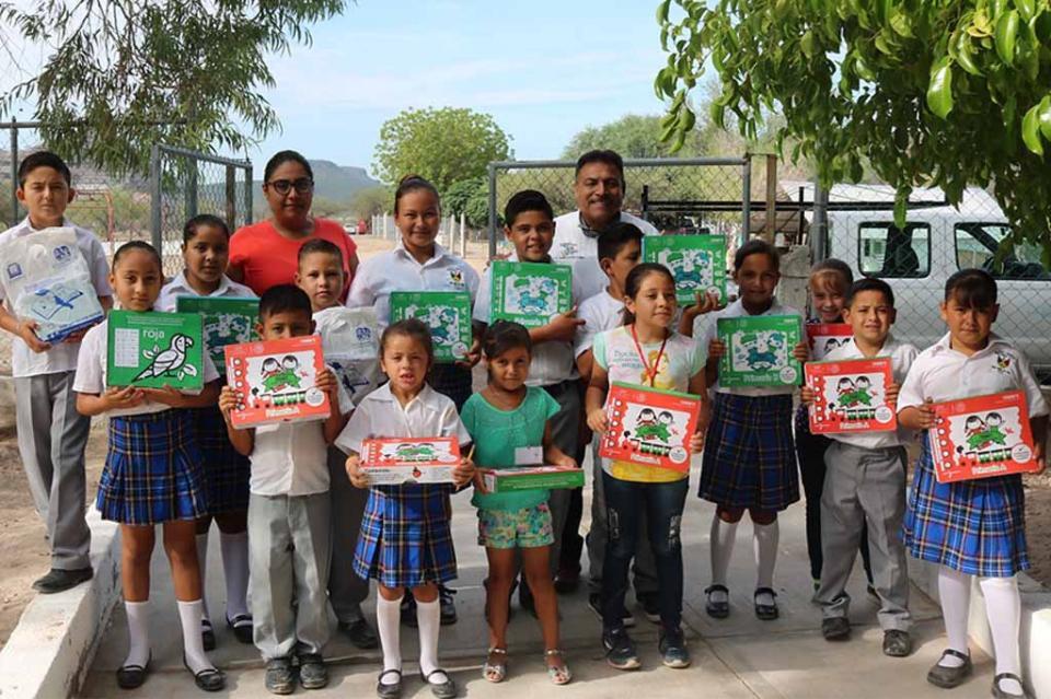 Distribuye SEP más de 4 mil paquetes de útiles para alumnos de comunidades rurales