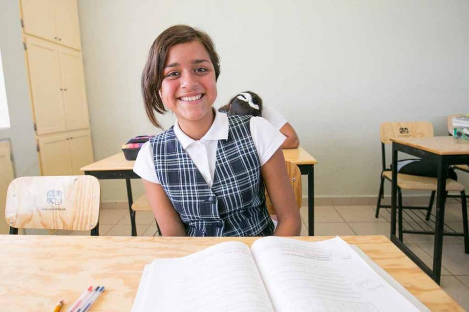 Más de 118 mil alumnos de educación básica reciben apoyo para útiles escolares