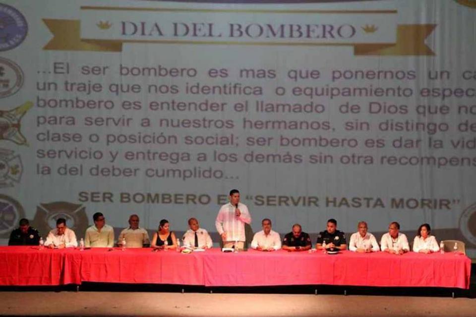 Sociedad y gobierno debemos apoyar a los Bomberos