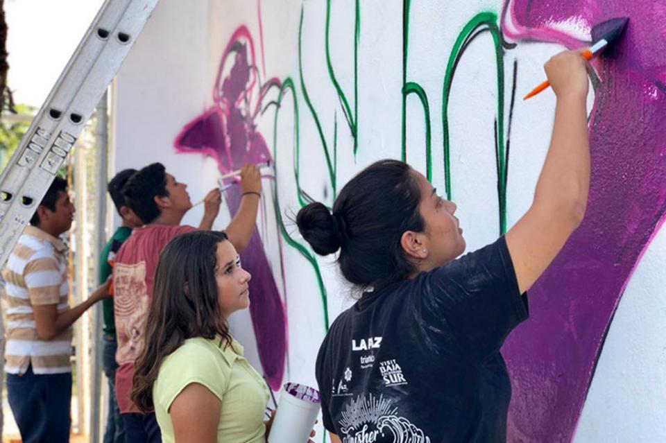 Jóvenes recuperan espacios públicos para prevenir la violencia contra las mujeres