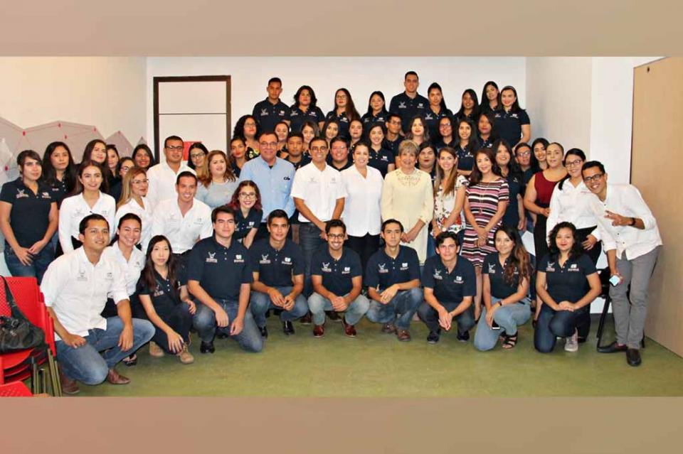 """Jóvenes inician sus actividades en """"Transición Escuela-Trabajo"""" y """"Poder Joven Radio y Televisión"""""""