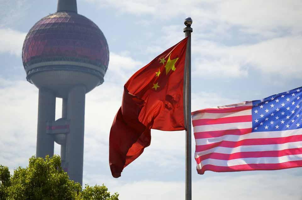 China advierte de represalia a EUA por acortar visas de corresponsales