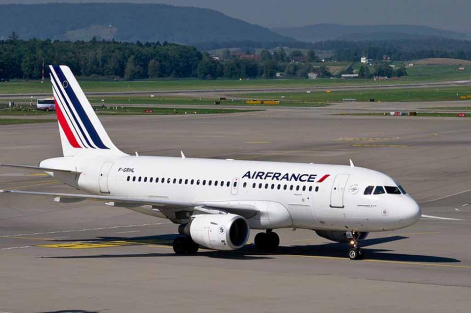 Sindicatos de Air France amenazan con oleada de huelgas