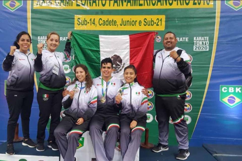 Suman karatecas sudcalifornianos medallas en Brasil