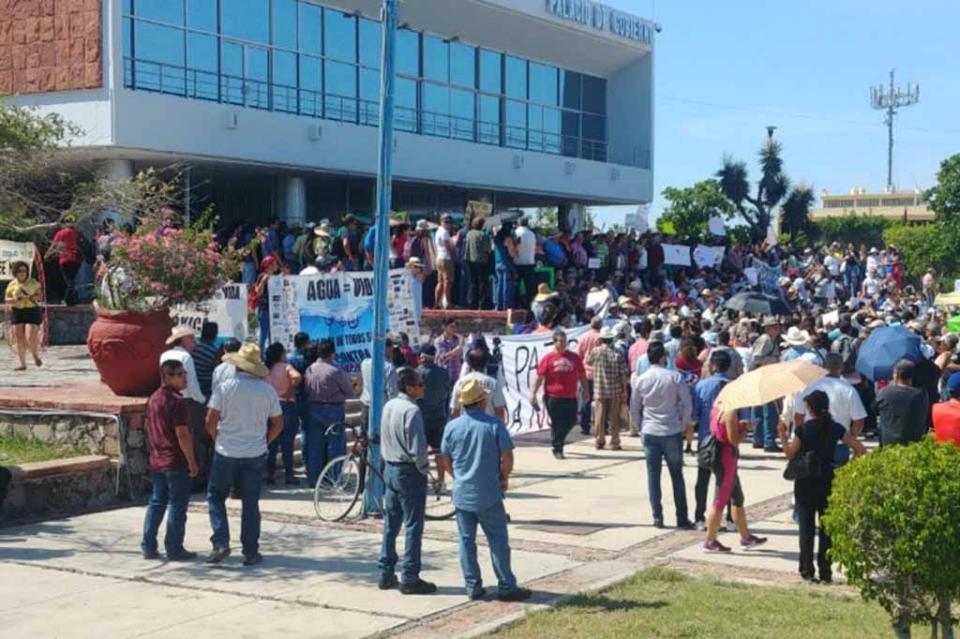 Inician en La Paz protestas en contra de la minería Los Cardones