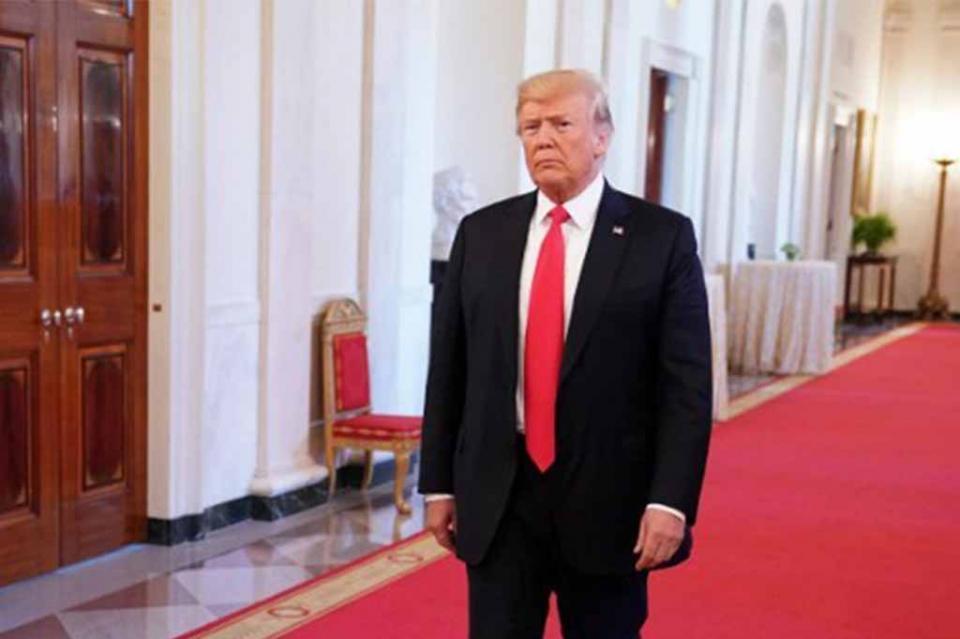 Trump advierte de posible colapso en el mercado si es sometido a juicio político