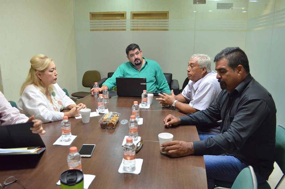 Dialoga Diputada Anita Beltrán con la Alianza de Pastores Cristianos  de BCS